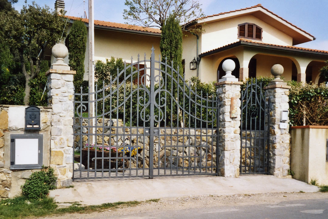 cancello ingresso villa
