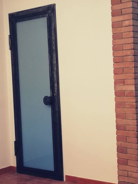 porta interna in ferro e vetro